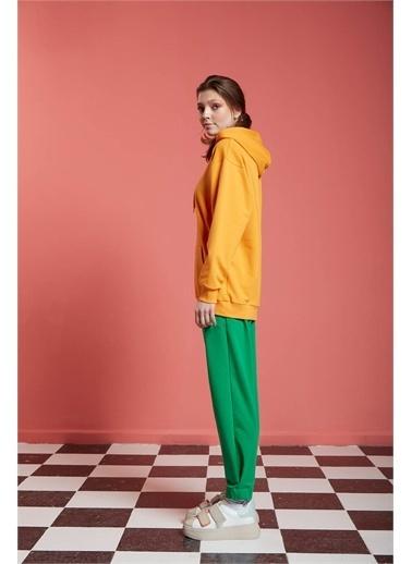 Mizalle Basic Kapüşonlu Mango Sweatshirt Renkli